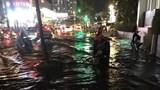 TP Hồ Chí Minh mưa lớn, hàng loạt tuyến đường ngập nặng