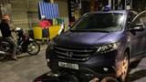 Kinh hoàng xe máy chở thai phụ bị ô tô kéo lê hàng trăm mét