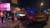 Tai nạn giao thông mới nhất hôm nay 16/11: Tài xế say xỉn, lao ô tô lên vỉa hè tông nhiều người đang ngồi nhậu