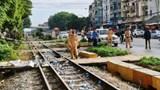 Băng qua đường sắt, người đàn ông bị tàu hỏa kéo lê 5m, tử vong tại chỗ