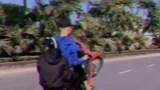 """Hà Nội: Phạt 4,2 triệu đồng nam thanh niên """"bốc đầu"""" xe máy, khoe trên mạng xã hội"""