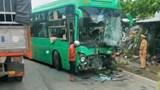 Tai nạn giao thông mới nhất hôm nay 30/11: Xe khách đấu đầu xe bồn, 6 người bị thương