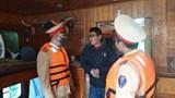 Bắt gọn tàu hết đăng kiểm chở 400 tấn than lậu trên sông Hồng