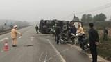 2 mẹ con bị thương nặng sau va chạm với xe tải