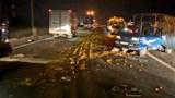Xe tải nổ lốp gây họa trên cao tốc TP Hồ Chí Minh - Trung Lương