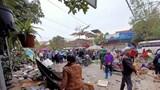 Khoảnh khắc ô tô lao thẳng vào chợ cóc khiến nhiều người bị thương