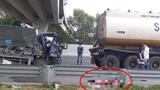 Tai nạn giao thông mới nhất hôm nay 10/1: Tông vào đuôi xe bồn trên cao tốc, tài xế xe tải tử vong tại chỗ