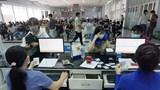 Hành khách ồ ạt trả lại vé tàu Tết: Giải pháp nào tốt cho doanh nghiệp, lợi cho người dân?