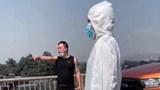 Quảng Ninh: Hành hung cảnh sát giao thông khi cố ý vượt chốt kiểm dịch