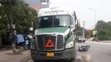 Hưng Yên: Ô tô khách vượt xe cùng chiều gây tai nạn liên hoàn