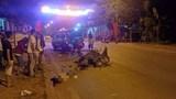 2 xe máy đối đầu trong đêm khiến 2 người tử vong