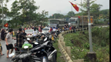 Xe tải tông trực diện xe container khiến 3 người bị thương nặng