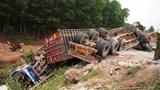 Tai nạn liên hoàn trên Quốc lộ 9 khiến 10 người thương vong