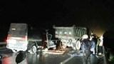 Xe khách va chạm ô tô tải làm 3 người chết, 2 người bị thương