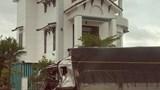 Quảng Ngãi: Tai nạn giao thông trên Quốc lộ 1, tài xế mắc kẹt trong cabin
