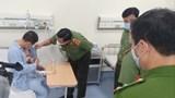 Giám đốc Công an Hà Nội thăm hỏi, trao khen thưởng cho tài xế taxi dũng cảm quật ngã tên cướp nguy hiểm