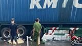 Nữ sinh tử vong, tài xế mặc áo Grab nguy kịch sau va chạm với xe container
