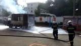 [Clip] Tài xế nhanh trí lái xe bị cháy đến trạm cứu hỏa cầu cứu dập lửa