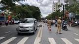 Xe máy va chạm ô tô khiến một nữ sinh viên tử vong