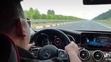 Tài xế xe Mercedes chạy 234km/h trên cao tốc là ai?