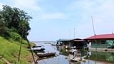 """Cận cảnh """"điểm nóng"""" sạt lở sông Hồng ở Ba Vì trước mùa mưa bão"""