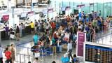 Việt Nam tiếp nhận 42 chuyến bay, cách ly 9.760 người nhập cảnh