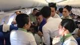 Một nữ hành khách co giật, cắn lưỡi trên máy bay