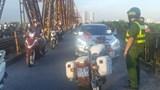 Phạt 45 triệu đồng tài xế say rượu, gây náo loạn trên cầu Long Biên