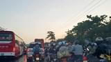 Đường vào TP Hồ Chí Minh kẹt xe nghiêm trọng trong đêm