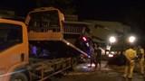 Xe Mercedes tông liên tiếp 3 căn nhà trong đêm, 1 thanh niên tử vong