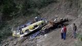 Ấn Độ: Xe lao xuống vực khiến gần 20 người thương vong