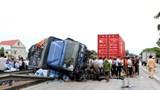 Đặt biển báo hạn chế tốc độ 60 km/h tại hiện trường vụ tai nạn trên Quốc lộ 5