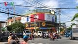 Người đi xe máy liên tục gặp nạn vì vướng vào điểm mù xe cơ giới cỡ lớn tại ngã tư tử thần