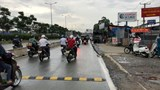Tháo bỏ gờ giảm tốc gây tai nạn chết người trên xa lộ Hà Nội