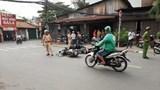 'Xe điên' tông hàng loạt ô tô, xe máy, 2 người bị thương
