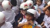 Hà Nội: Tặng trên 176.000 mũ bảo hiểm cho học sinh lớp 1
