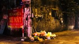Rác thải đổ bừa bãi trên phố Nguyễn Chính