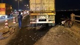 Danh tính lái xe container tông bay người xuống sông Hồng