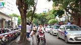 [Video] Chấn chỉnh hoạt động taxi, xe ôm trước cổng bệnh viện