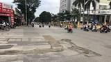 Đường Nguyễn Phong Sắc nham nhở, tiềm ẩn nguy cơ tai nạn giao thông
