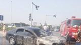 Bắc Ninh: Xe Lacetti bốc cháy dữ dội khi đang đi trên đường cao tốc