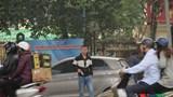 """Hà Nội: Ngang nhiên """"xin"""" tiền trông xe tại phường Ngọc Khánh"""