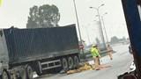 Phú Xuyên: Xe container đi ngược chiều gây tai nạn khiến 1 người tử vong