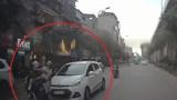 Hà Nội: Tạm giữ tài xế say rượu đâm hàng chục phương tiện rồi bỏ chạy
