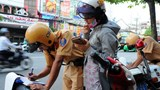 Hà Nội: CSGT tăng cường kiểm tra, xử lý vi phạm về bảo hiểm bắt buộc trách nhiệm dân sự đối với chủ xe