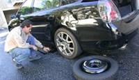 Hướng dẫn cách thay lốp dự phòng ô tô