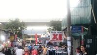 Hà Nội: Phố Phan Văn Trường vẫn lộn xộn