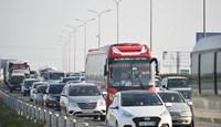 Vì sao lượng xe cá nhân tăng cao?
