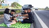 Tài xế mở tiệc trên cao tốc Nội Bài - Lào Cai bị tước bằng lái 2 tháng