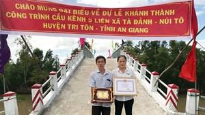 Gặp nông dân đóng góp 700 triệu đồng xây cầu tại An Giang